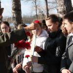 Цветы молодежи от ДОСААФ г.Туапсе в честь 88-летия ОСОАВИОХИМ-ДОСААФ