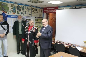 Председатель ДОСААФ Туапсинского р-на Кирьяненко В. П. с приветственной речью перед активистами в честь 91 годовщины со дня образования ДОСААФ